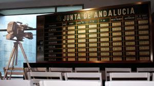 Pizarra-resultado-referendum-autonomia-andaluza_EDIIMA20151202_0465_5
